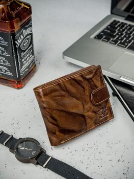 Pánská hnědá kožená peněženka 3204