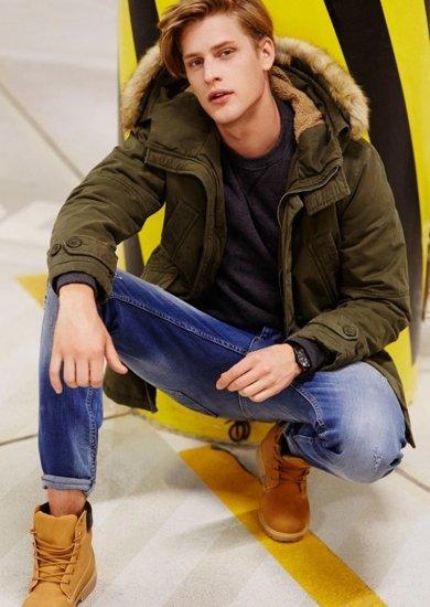 Stylizace č. 72 - bunda, mikina, džíny, obuv